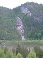 Bekkeinntak og tipp i Valle i Setesdalen, fotografert frå hovudvegen. (Foto: Aksjonsnemnda)